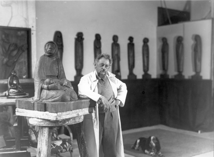 <em>Ernst Barlach in his studio in 1935 next to the sculpture Mother and Child</em>